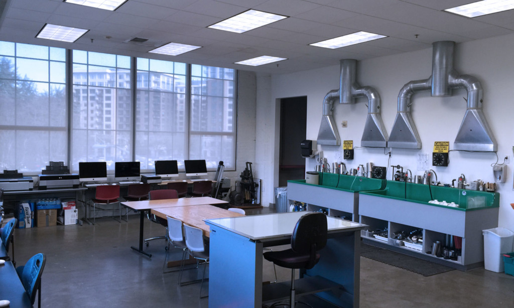 photo computer lab and sink